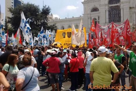 Jornada en contra de la represión a los trabajadores municipales despedidos