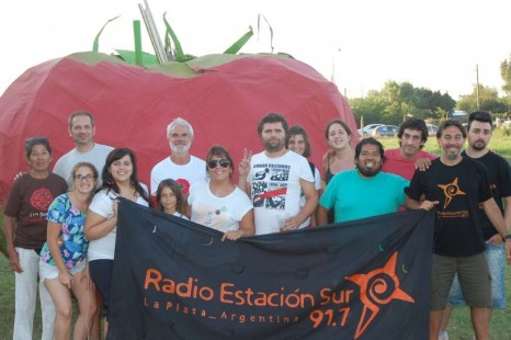 Productores, músicos y artesanos en la 12° Fiesta del Tomate Platense