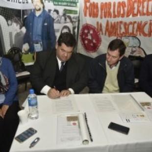 El Foro de la Niñez bonaerense firmó un convenio con el municipio de Berisso
