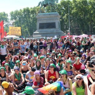 Mujeres latinoamericanas y manifiesto feminista