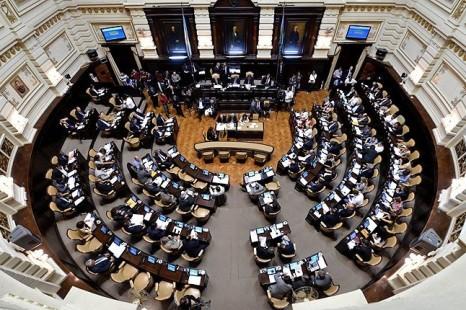 Media sanción para la ley que establece licencia laboral por violencia de género