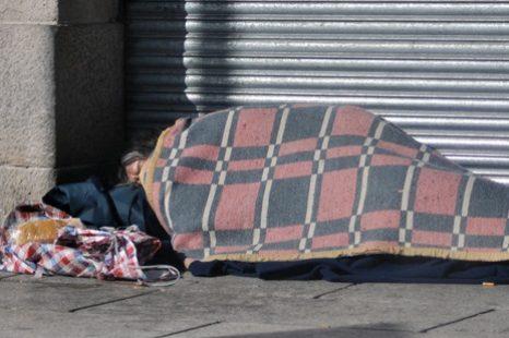 Reclaman que se declare la emergencia para las personas en situación de calle en La Plata
