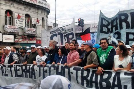 Movilización a Plaza de Mayo por Pan, Paz, Tierra, Techo y Trabajo