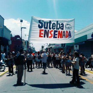 Docentes marcharon en Ensenada contra el ajuste del gobierno en educación