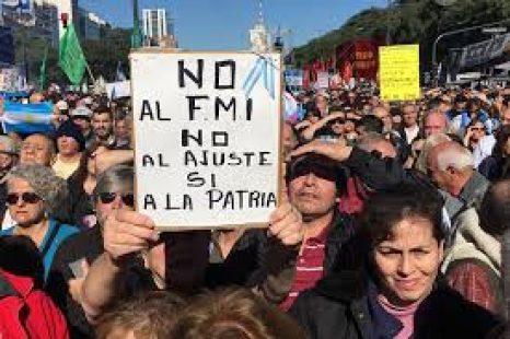 """Voces del 25 de Mayo: """"No es que haya otro FMI, hay otro pueblo"""""""