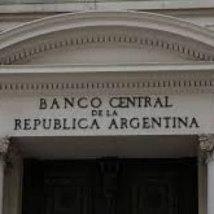 «Hoy la economía te la maneja el sistema financiero internacional»