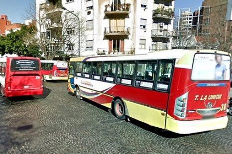 Reclamo por el alto costo de los boletos y el deficiente servicio del transporte público platense