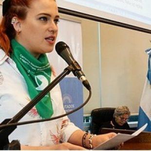 """Candelaria Botto: """"No encontramos políticas que erradiquen la precarización laboral"""""""