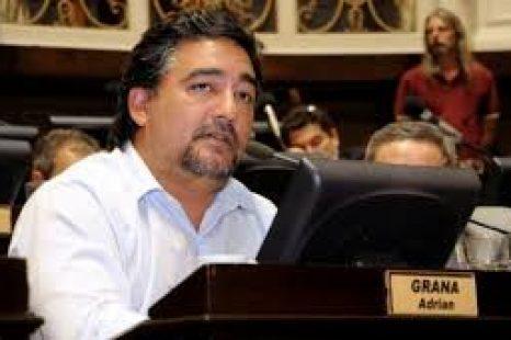 """Adrián Grana: """"Gobernabilidad no es expoliar a los más pobres para que se hagan ricos los más ricos"""""""