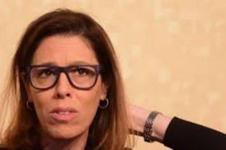 """Moreau: """"Alonso incumple sus deberes de funcionaria y retarda la justicia"""""""