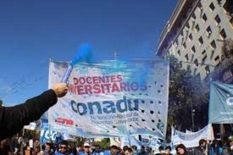 Carlos de Feo: «Los universitarios no nos vamos a salvar si no se salva la Argentina»