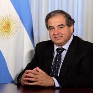 """Julio Martínez:  """"los Gobernadores deberían aprobar el presupuesto a ojos cerrados"""""""