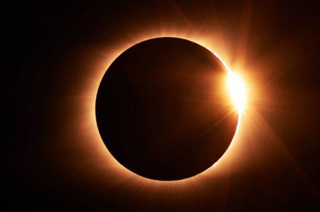 Eclipse total de sol: cuando, desde donde y como verlo