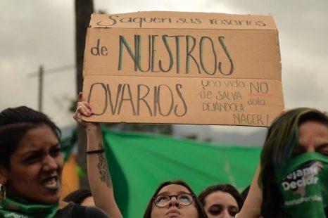 Ecuador rechaza despenalizar el aborto en casos de violación