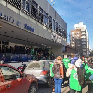 ALERTA EN IOMA: masiva asamblea de trabajadores y afiliados
