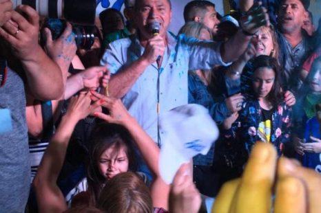 «Este triunfo se lo dedicamos a Néstor Kirchner y Cristina»
