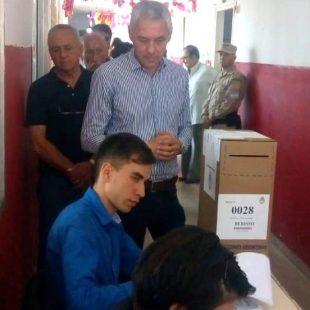 """Cagliardi: """"voten con pasión, que esto es lo que empieza a transformar una ciudad y a la Argentina"""""""