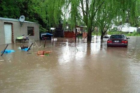 #AHORA: Evacuados e inundaciones en Romero y El Retiro