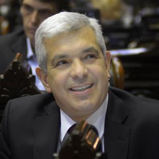 """""""El endeudamiento merece una revisión parlamentaria"""""""