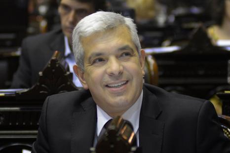 «El endeudamiento merece una revisión parlamentaria»
