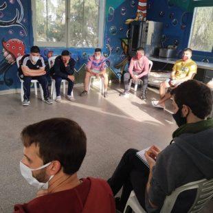 Jóvenes privados de su libertad debaten sobre la cuarentena