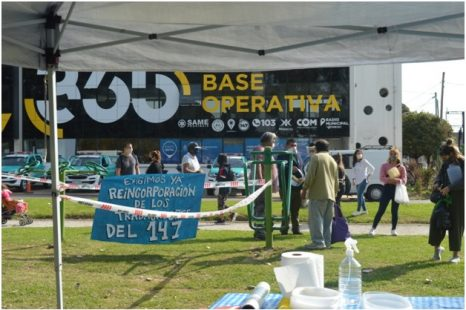 Trabajadores municipales despedidos realizaron una olla popular
