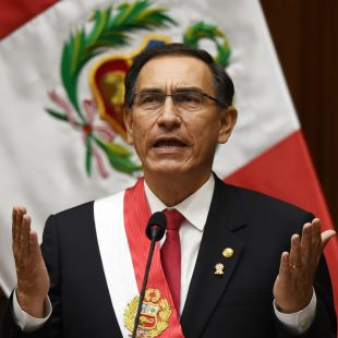 Vizcarra baila al 'Swing' del impeachment