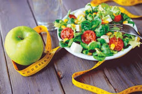 «La cultura de la dieta prohíbe y restringe pero no educa»