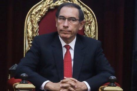 Claves para entender la destitución de Vizcarra en Perú