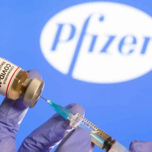 «Las vacunas suelen ponerse en tela de juicio y esta aún más por lo rápido que salió»