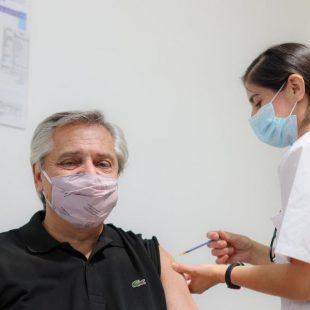 Alberto Fernandez recibió la primera dosis de la vacuna Sputnik V