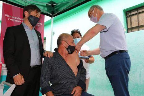 Mario Secco se vacunó contra el Coronavirus