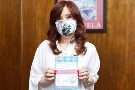 La vicepresidenta Cristina Fernandez se vacunó contra el Coronavirus
