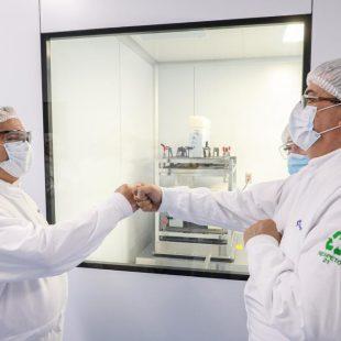 Alberto Fernández visitó en México el laboratorio que produce una vacuna junto a Argentina