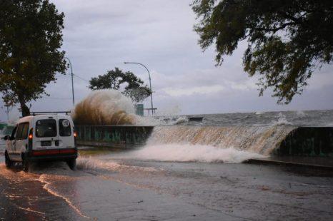 Emiten alerta por la crecida del río de La Plata