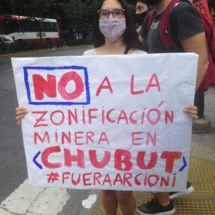 Cortaron 7 y 50 en contra de la megaminería en Chubut