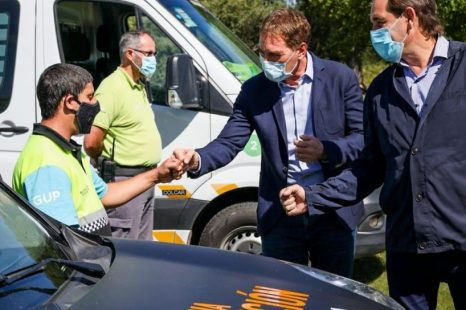 Garro y Santilli presentaron móviles de prevención para la ciudad