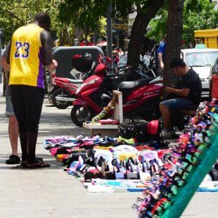 Comerciantes de calle 12 se manifestaron en contra la venta ambulante