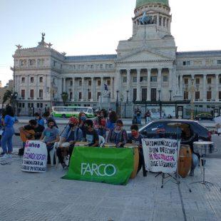 Medios autogestivos se manifestaron frente al congreso