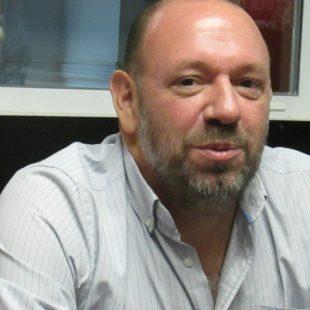 Enrique Rifourcat: «Lo único que tenemos para frenar el embate de la pandemia es la vacunación»