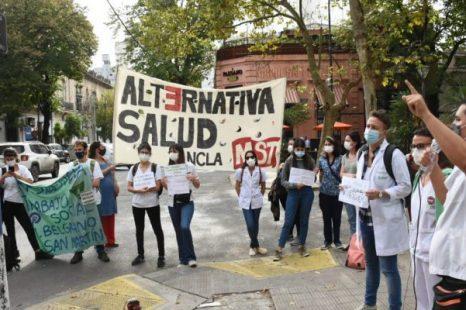 Residentes del área de la salud marcharon por sus condiciones laborales