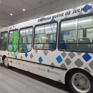 La UNLP lanzó un proyecto de reconversión eléctrica del transporte público