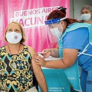 Se citarán a mayores de 60 años sin enfermedades previas para inmunizarse