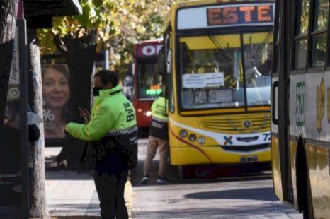 Empezó el paro total de micros en La Plata, Berisso y Ensenada