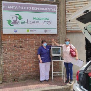 El programa de reciclado informático de la UNLP donó computadoras a hospitales y centros de salud en La Plata