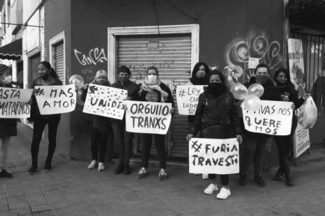 Continúan juntando fondos para 10 travestís detenidas en La Plata